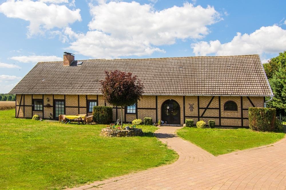 Fachwerkhaus in Dewichow – Ferienidyll mit Achterwasserblick, 17406 Mellenthin / Dewichow, Zweifamilienhaus