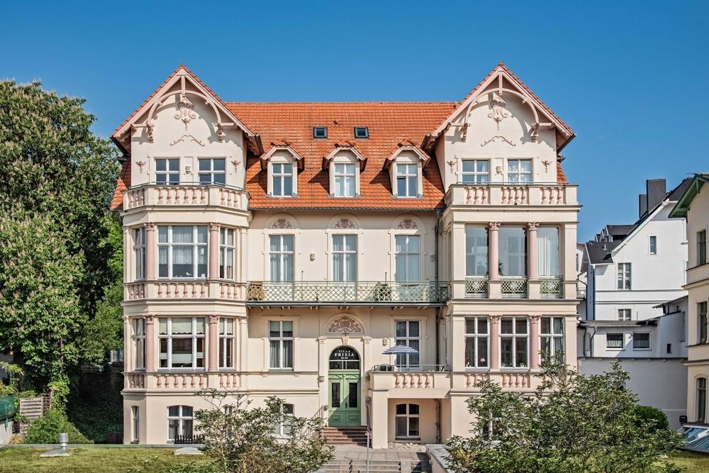 Majestätisch und zentral im Seebad Bansin- Villa Frisia.Sonnige Aussichten.Mitten drin., 17429 Heringsdorf / Bansin, Etagenwohnung